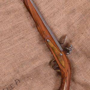pistola de chispa, siglo XVII-XVIII